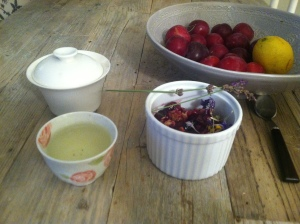 My version of lavender plum crisp (served with a Taiwanese milk oolong for Sunday breakfast.)